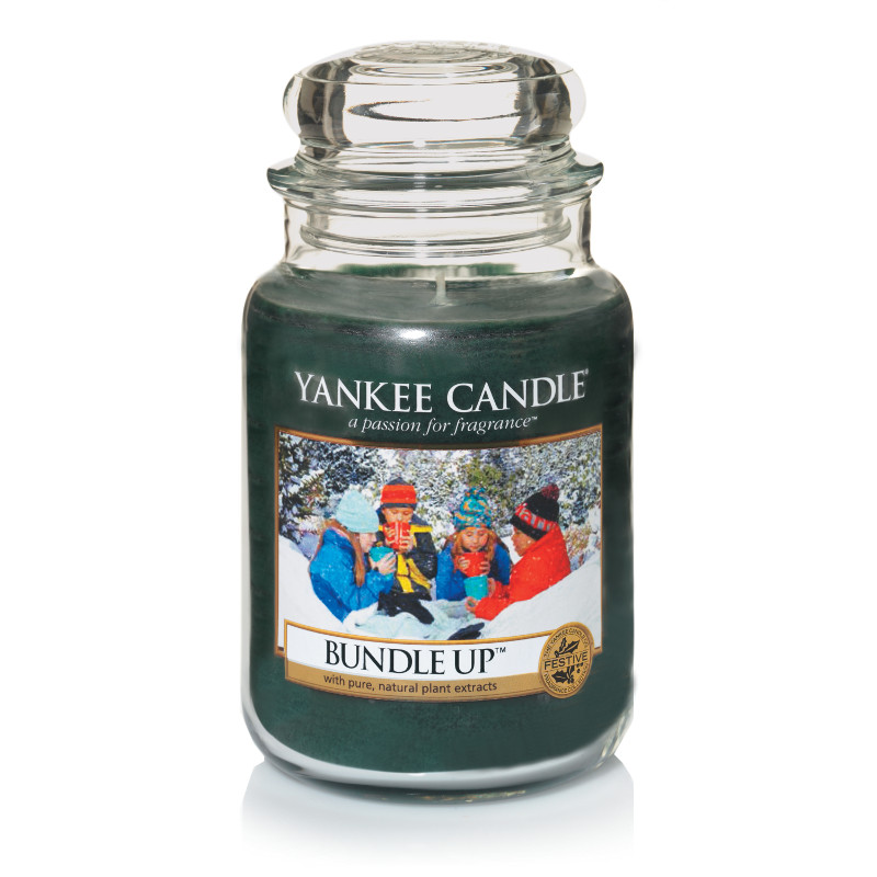 yankee candle bundle up large jar candle and gift. Black Bedroom Furniture Sets. Home Design Ideas